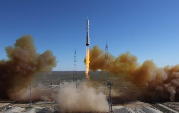 Rosyjska rakieta Proton startuje z kosmodrmu Bajkonur /AFP