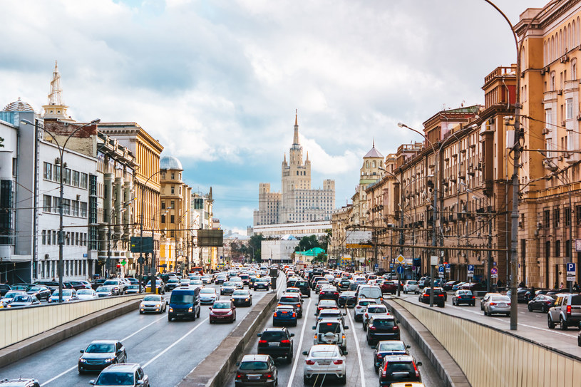 Rosyjski rząd stawia na gaz w autach. /123RF/PICSEL