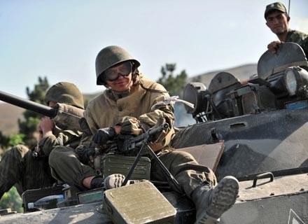 Rosyjski żołnierz nieopodal Gori, 15 sierpnia 2008 /AFP