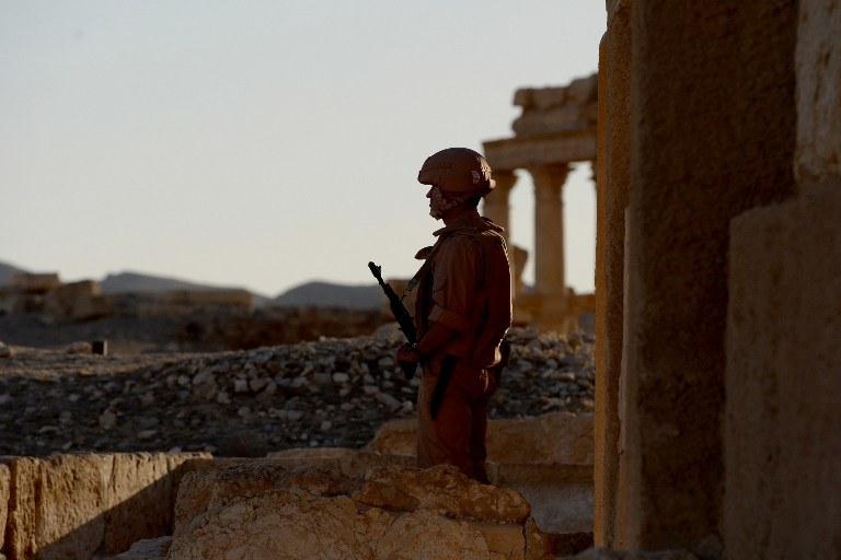 Rosyjski żołnierz podczas patrolu w Palmyrze, zdj. ilustracyjne /AFP