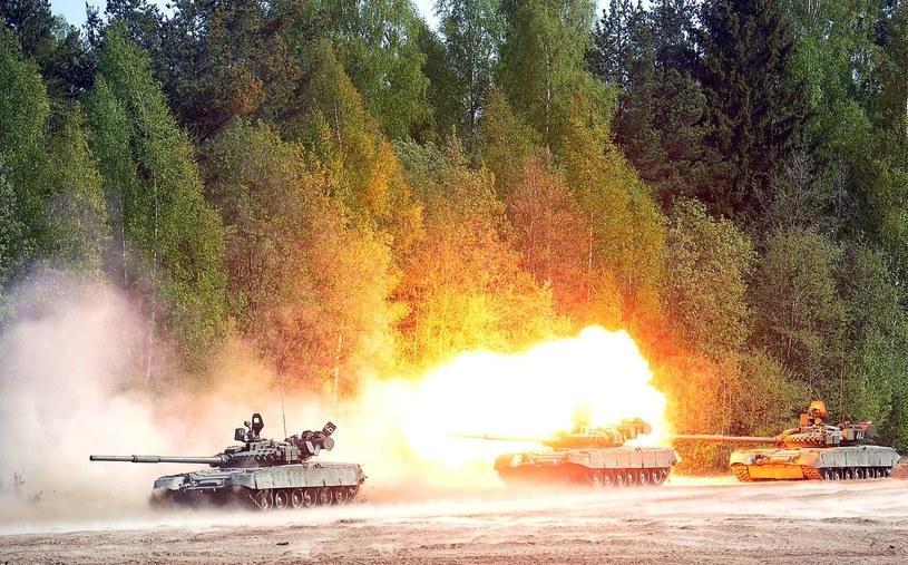 Rosyjskie czołgi T-80, zdjęcie ilustracyjne /AFP