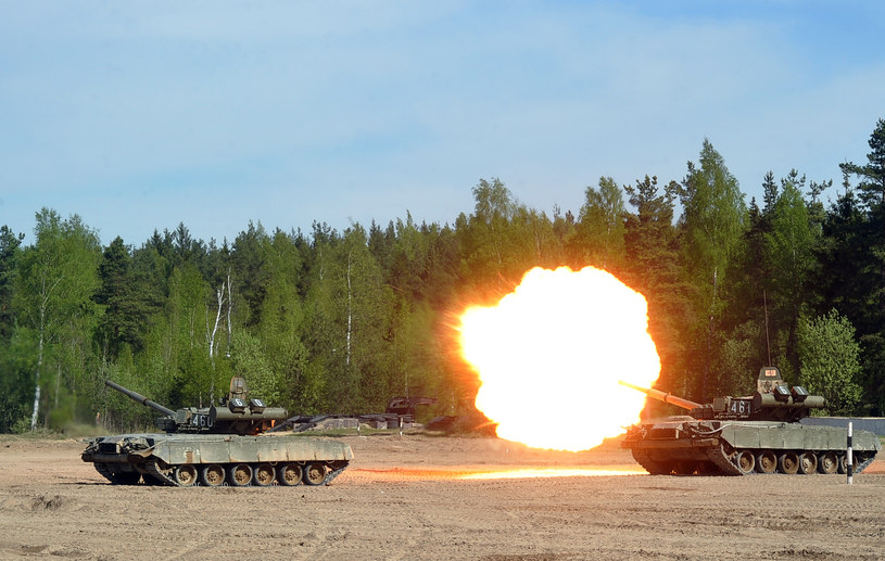 Rosyjskie czołgi T-80 /AFP