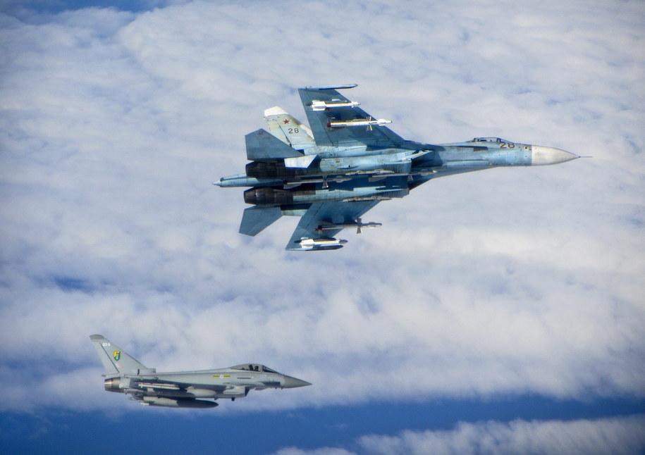 Rosyjskie samoloty były eskortowane przez Królewskie Siły Powietrzne (RAF) do czasu, aż opuściły brytyjską strefę zainteresowania /crown copyright reserved    /PAP/EPA