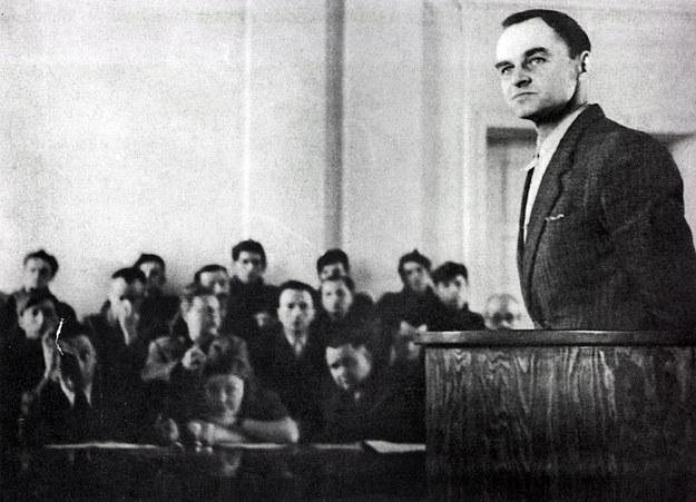 Rotmistrz Witold Pilecki przed komunistycznym sądem w Warszawie w 1948 roku /Agencja FORUM