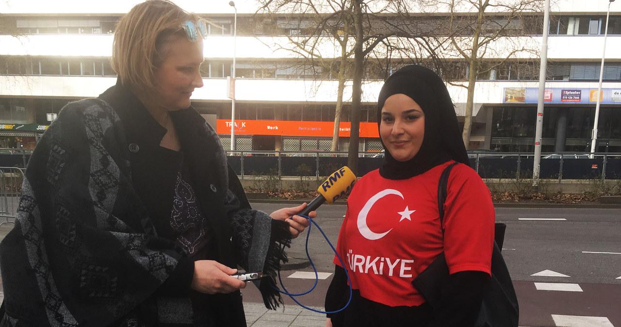 Rotterdam: Przed tureckim konsulatem gromadzą się ludzie