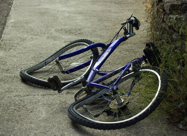 Rower uderzył w stojącą niedaleko kobietę/ Zdjęcie ilustracyjne /123RF/PICSEL