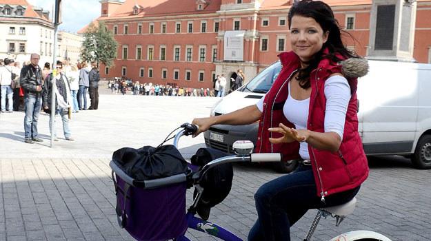 Rowerem miejskim aktorka jeździ głównie na zakupy lub przejażdżki z przyjaciółmi /Andras Szilagyi /MWMedia