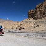 Rowerem w... Himalaje. Podróżnik z Wrocławia pokonał przełęcze na 2 kółkach