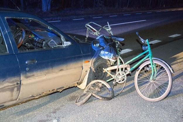 Rowerzyści powodują więcej wypadków niż kierowcy ciężarówek! /MAREK MALISZEWSKI/REPORTER /Agencja SE/East News