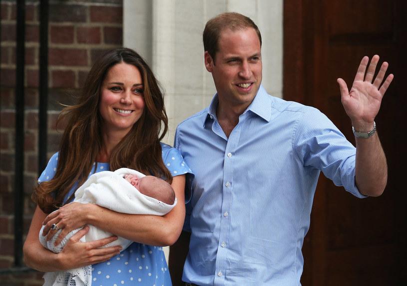 Również przed szpitalem św. Marii, a mówiąc precyzyjniej, pod skrzydłem Lindo, świat po raz pierwszy ujrzał troje dzieci Williama. 22 lipca 2013 na świat przyszedł książę Jerzy. /Oli Scarff /Getty Images