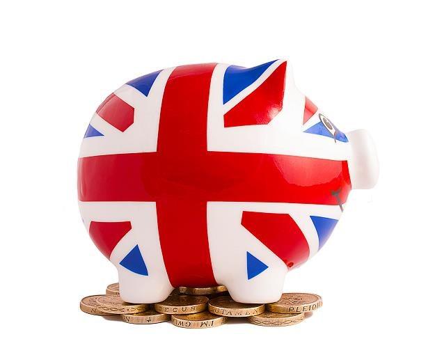 Równowartość 10 mld złotych wypłacili z kont emerytalnych Brytyjczycy /©123RF/PICSEL