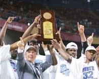 Roy Williams i jego podopieczni świętują sukces w NCAA Final Four /AFP
