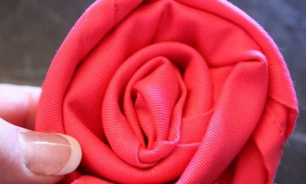 Róża krok 5 /© Photogenica