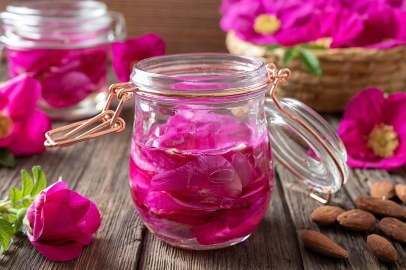 Róża ma wiele zastosowań /123RF/PICSEL