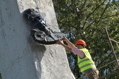 Rozbiórka pomnika Iwana Czerniachowskiego