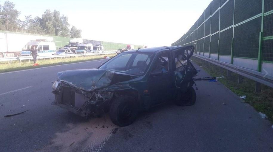 Rozbite audi po wypadku na autostradzie A1 /Policja /