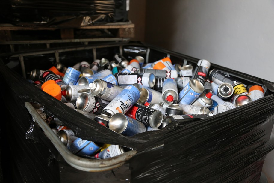 Rozbito zorganizowaną grupę przestępczą zajmującą się nielegalnym składowaniem niebezpiecznych odpadów /Policja