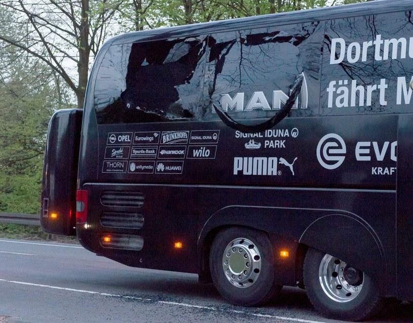 Rozbity autobus Borussii Dortmund /PAP/EPA