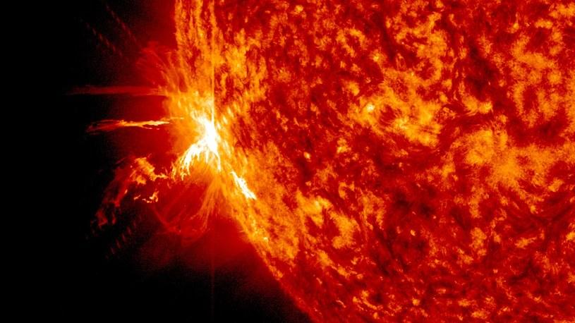 Rozbłyski na Słońcu /NASA