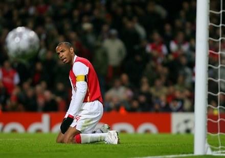Rozczarowany Thierry Henry. Arsenal-CSKA 0:0 /AFP
