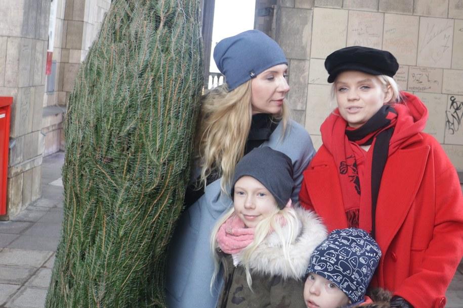 Rozdajemy choinki w Warszawie! Pomaga nam Margaret! /  /Bartosz Sroczyński, RMF FM