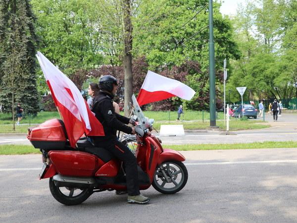 Rozdaliśmy 10 tysięcy flag! Zobacz zdjęcia
