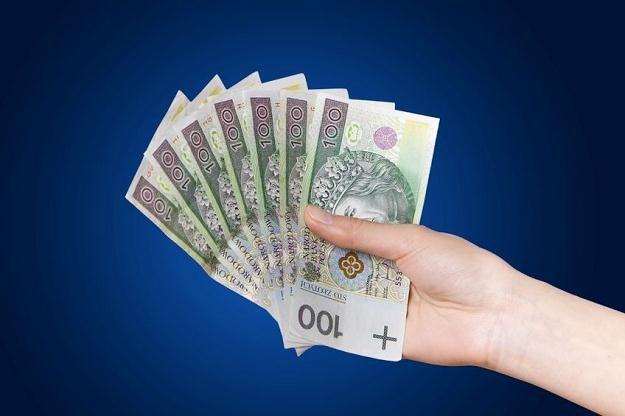 Rozdawanie przez banki pożyczek na prawo i lewo kwitnie na całego /©123RF/PICSEL