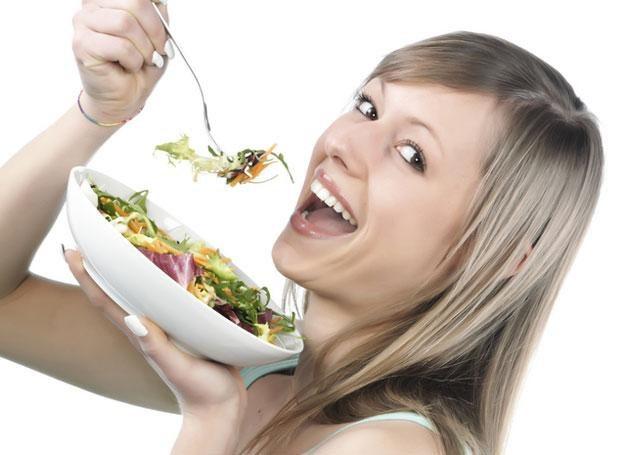 Rozdrażnienie i przemęczenie mogą brać się niekiedy ze złych nawyków żywieniowych /© Panthermedia