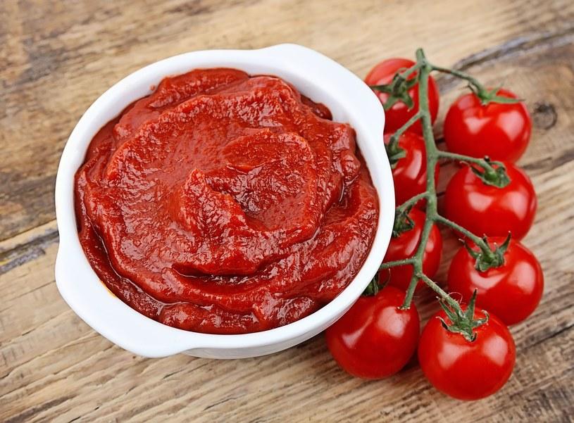 Rozdrobnienie i ogrzanie pomidorów sprawia, że wiele zawartych w nich prozdrowotnych substancji jest znacznie lepiej przyswajalnych /123RF/PICSEL