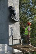 Rozebrano pomnik Iwana Czerniachowskiego, generała Armii Czerwonej