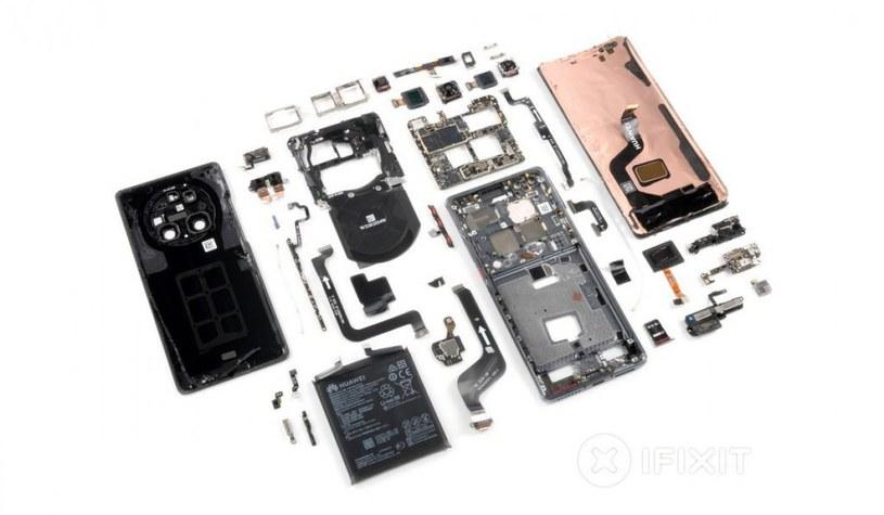 Rozebrany Huawei Mate 40 Pro / fot. iFixit /materiał zewnętrzny