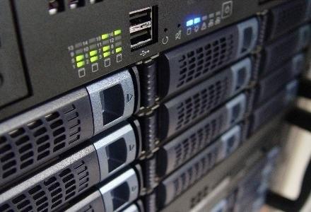Rozgoryczony administrator sparaliżował pracę serwerów swojego byłego szefa | Whrelf Siemens /stock.xchng