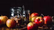 Rozgrzewający deser z pieczonych jabłek