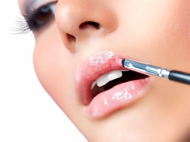 Rozjaśnij usta /© Photogenica