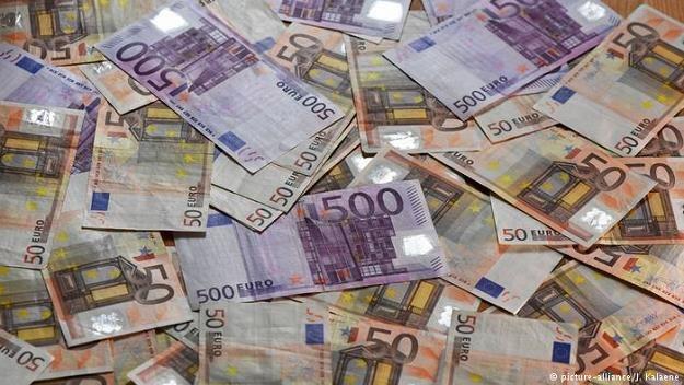 Rozmiar wyłudzeń podatku dzięku transakcjom cum-ex jest większy niż przypuszczano /Deutsche Welle