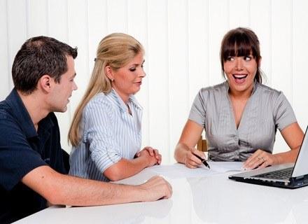 Rozmowa kwalifikacyjna jest najważniejszym czynnikiem decydującym czy niania nadaje się do opieki /© Panthermedia
