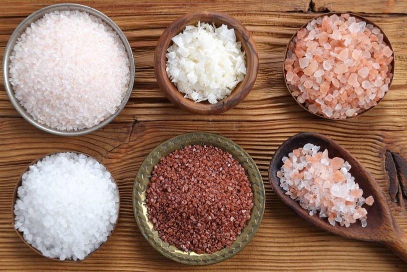 Różne rodzaje soli /©123RF/PICSEL