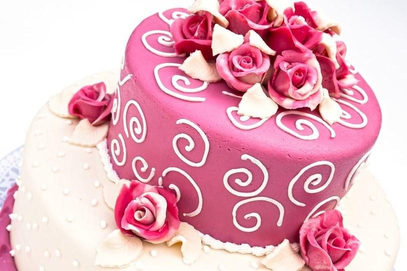 Różowe dekoracje /©123RF/PICSEL