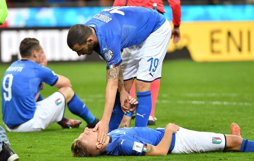 Rozpacz reprezentantów Włoch po braku awansu na mundial w Rosji /PAP/EPA