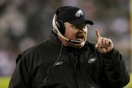 Rozpaczliwe decyzje Andy'ego Reida zaszkodziły Eagles /AFP