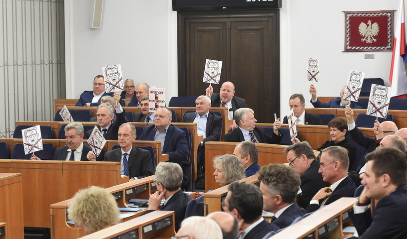Rozpoczęcie obrad Senatu /Radek Pietruszka /PAP