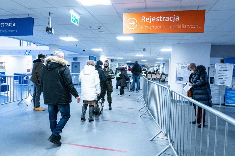 Rozpoczęły się szczepienia seniorów /Krzysztof Kaniewski/REPORTER /Reporter