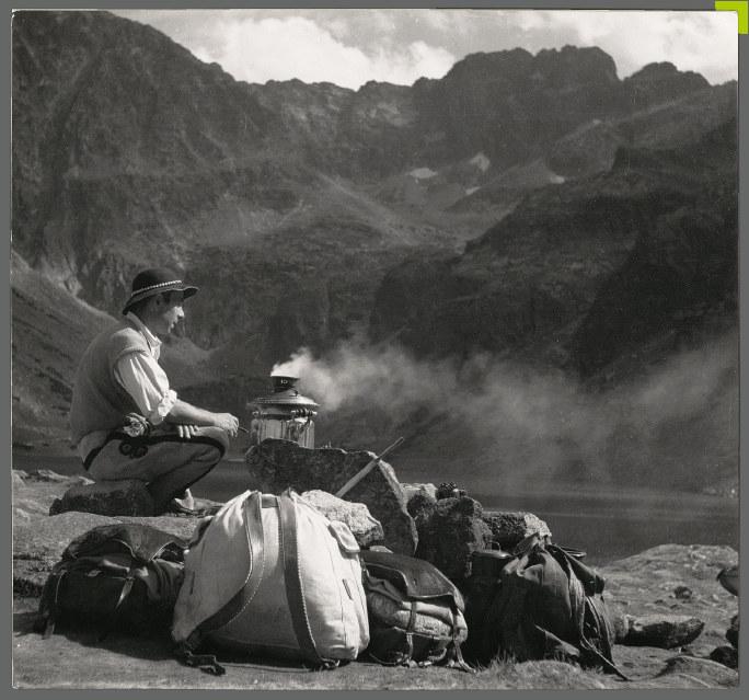 """Rozpoczynająca się 3 listopada wystawa """"Tatrzańska Atlantyda"""" to drugi po bestsellerowym albumie pod tym samym tytułem projekt pokazujący góry przez pryzmat unikatowych archiwalnych zdjęć. /materiały prasowe"""