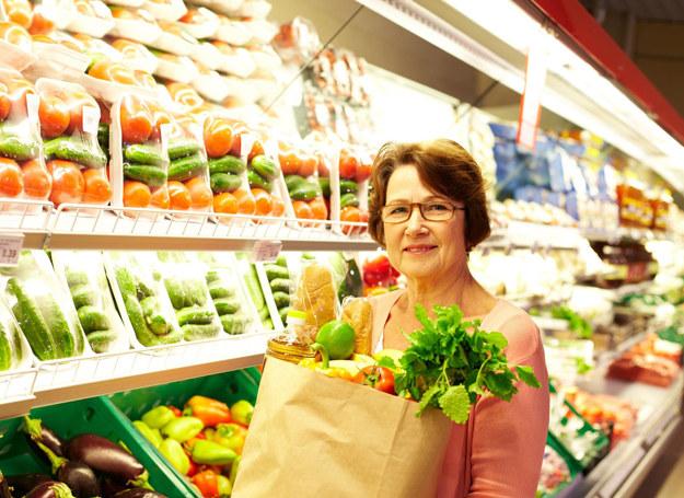 Rozsądna dieta to podstawa dobrego samopoczucia w każdym wieku /123RF/PICSEL