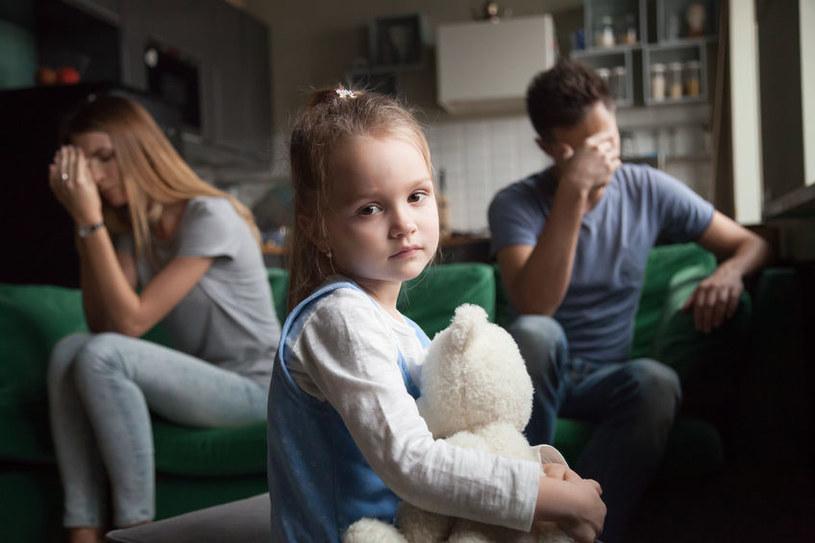 Rozstanie jest jednym z najtrudniejszych kryzysów dotykających rodzinę /123RF/PICSEL