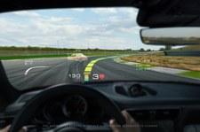 0007MRYE5J8MD0VF-C307 Rozszerzona rzeczywistość w modelach Porsche?