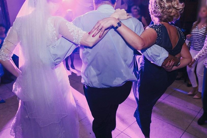 Rozważany jest całkowity zakaz organizacji wesel /123RF/PICSEL
