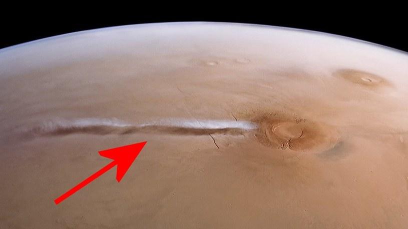 Rozwiązano zagadkę dziwnej chmury na Marsie, która pojawiła się nad wulkanem /Geekweek