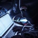 Rozzłoszczony haker ujawnia poufne pliki z korespondencją ambasady