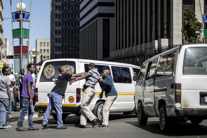RPA: W branży taksówkarskiej często dochodzi do przemocy (arch.) /AFP